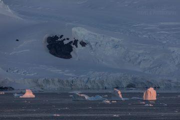 _M4_1352-antarktyda-gory-zachod