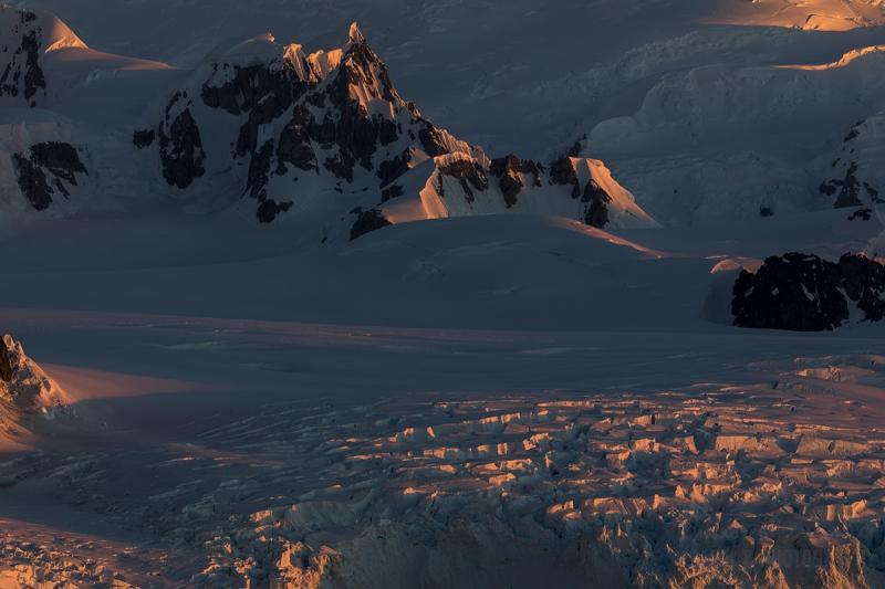 _M4_0084-antarktyda-gory-zachod