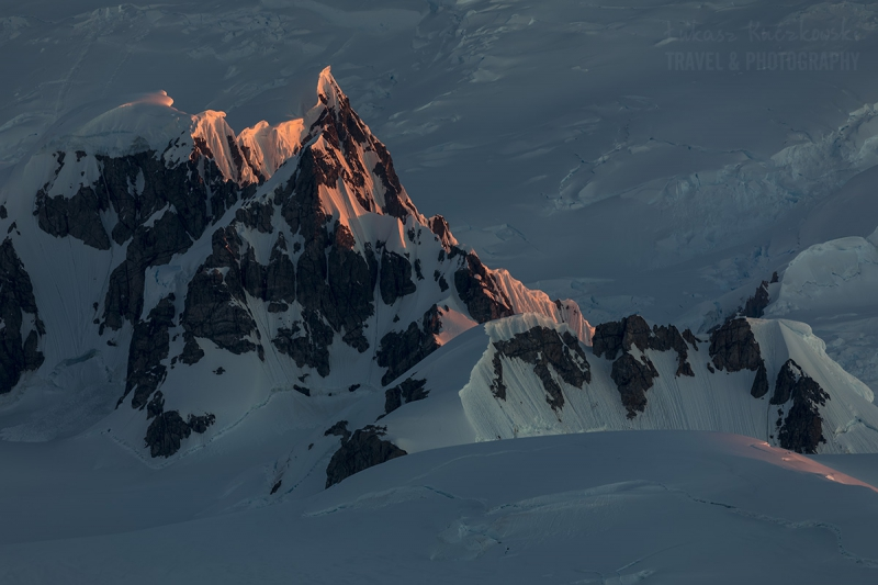 _M4_0113-antarktyda-gory-zachod