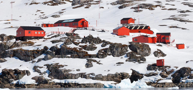antarktyda-stacja-badawcza