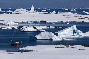 Antarktyda – w poszukiwaniu jaskini